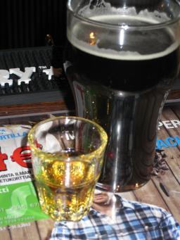 Viskiä ja olutta